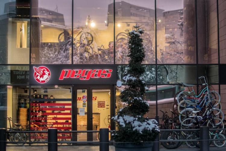 Pegas a inaugurat, la Iulius Mall Cluj, cel mai mare magazin al brandului din țară