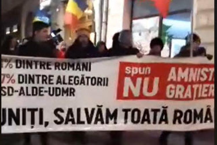 Circa 2000 de clujeni au ieșit în stradă împotriva OUG care eliberează corupții - VIDEO