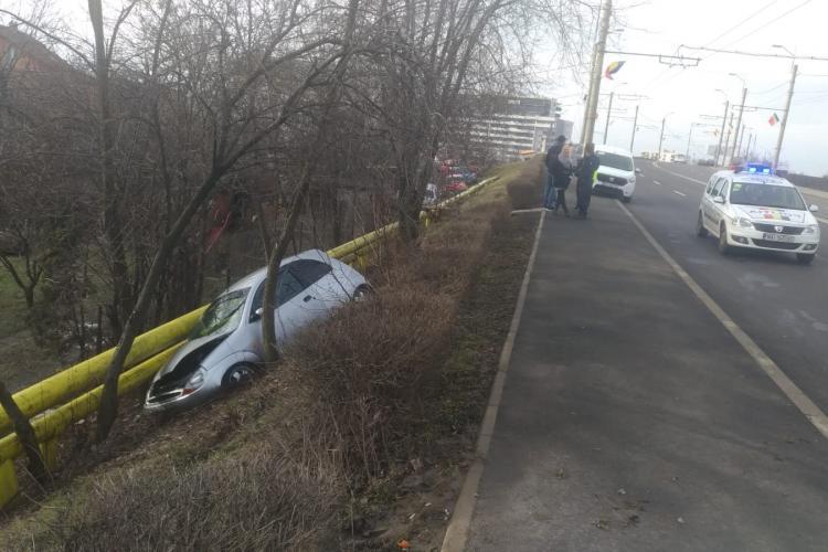"""Un vitezist a """"zburat"""" de pe drum, la Podul IRA - FOTO"""