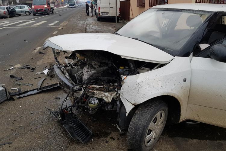 Accident cu 4 mașini la Apahida! Două persoane au fost rănite FOTO