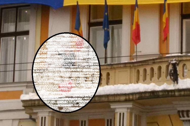 Emil Boc gospodarul șef al orașului! A dat zăpada de la balcon. Ce spune despre deszăpezire