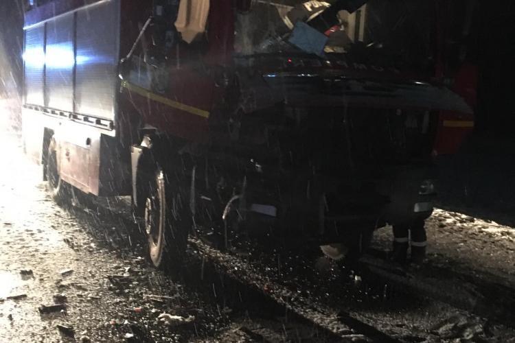 Autospecială de pompieri din Cluj, implicată într-un accident în drum spre alt accident - FOTO