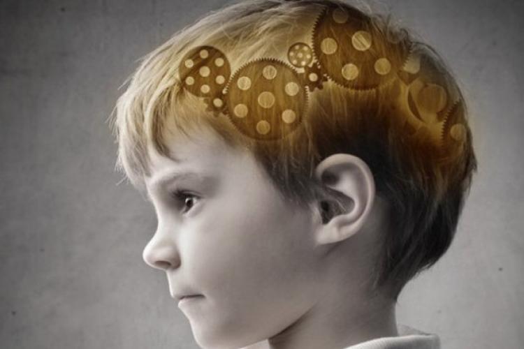 Află ce se întâmplă în creierul copilului tău, dacă îi citeşti
