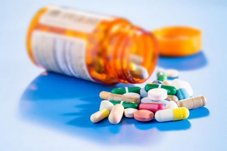Medicamente scumpe ce pot fi înlocuite cu altele mai ieftine