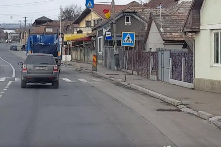 Sistem de colectare ultramodern la Turda! Gunoaiele zboară pe drum - VIDEO