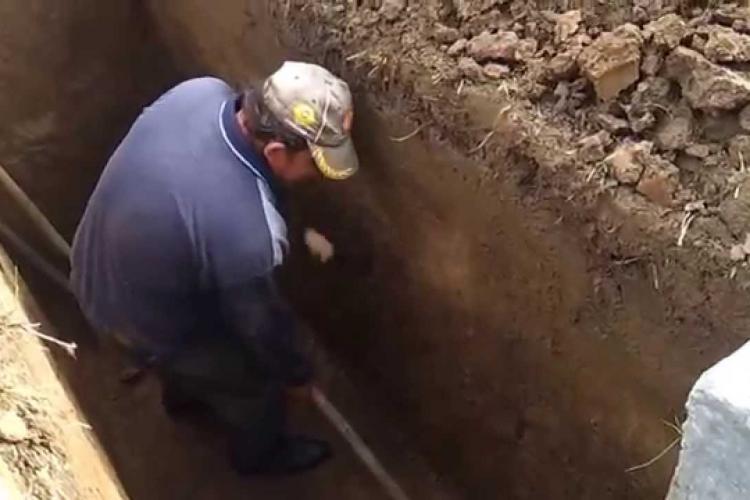 Boc, supărat că de Crăciun RADP Cluj a refuzat să sape gropi în cimitir