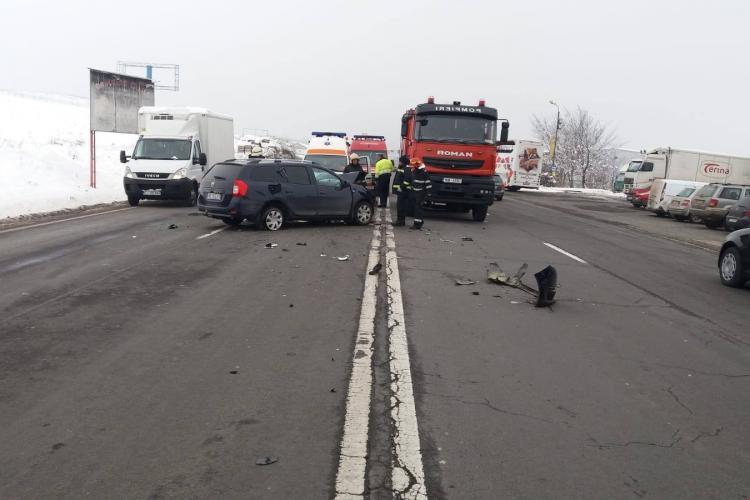 Accident la Turda! Nepăstrarea distanței în trafic face ragavii - FOTO