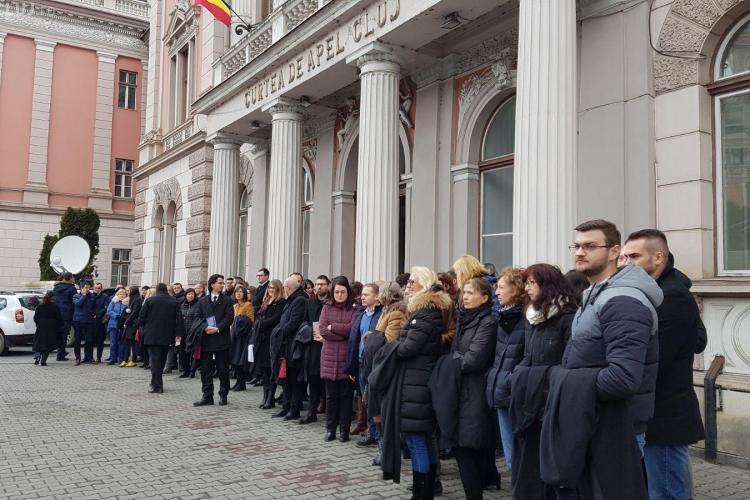 Magistrații protestează vineri în fața Curții de Apel. Îl așteaptă pe Tudorel Toader