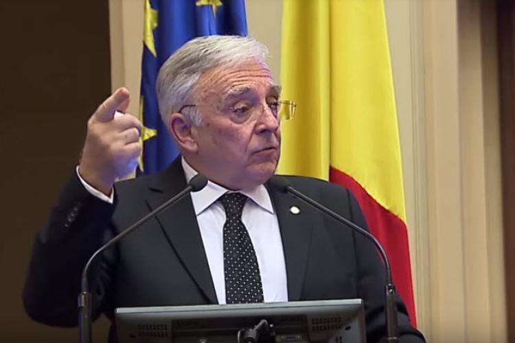 """Mugur Isărescu susține că leul s-a depreciat din cauza """"taxei pe lăcomie"""""""