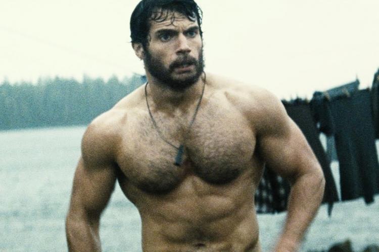 Cum arată acum Henry Cavill. E mai musculos decât atunci când îl juca pe Superman