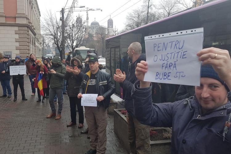 Protest in derulare al magistratilor din Cluj-Napoca - VIDEO