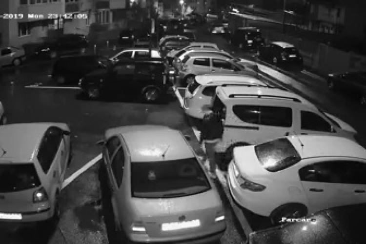 Filmat în Cluj, în timp ce înțepa cauciucurile unor autoturisme. Cine îl recunoaște? - VIDEO