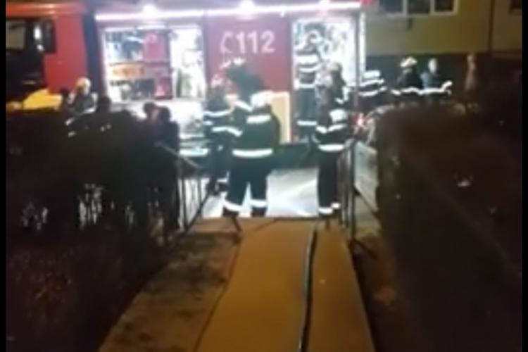 Incendiu GRAV în Manastur, pe Aleea Micus. Bloc evacuat VIDEO
