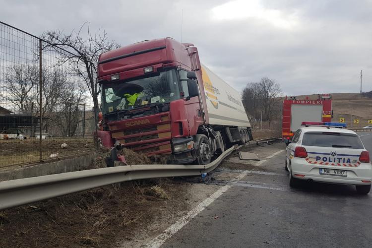 Accident la Șaula pe drumul spre Huedin - FOTO