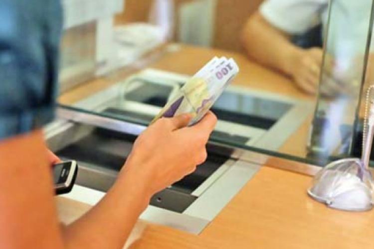O mare bancă din România crede că taxa pe active va fi schimbată sau eliminată