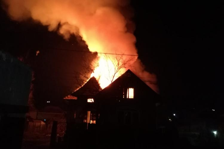 Incendiu in Chinteni, pe strada Unirii, la o casa particulară - VIDEO / FOTO
