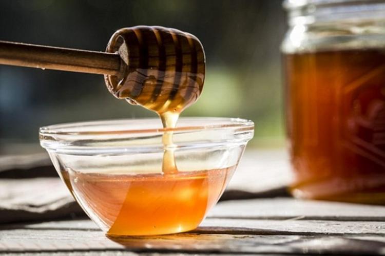 Miere falsă! Cum îți dai seama că mierea este falsă