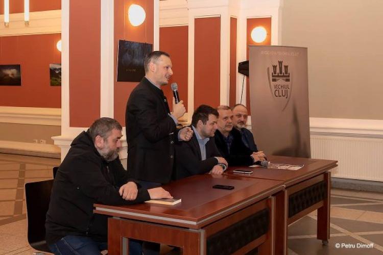 La Cluj s-a lansat un ghid bilingv, româno-englez, care prezintă istoria Clujului