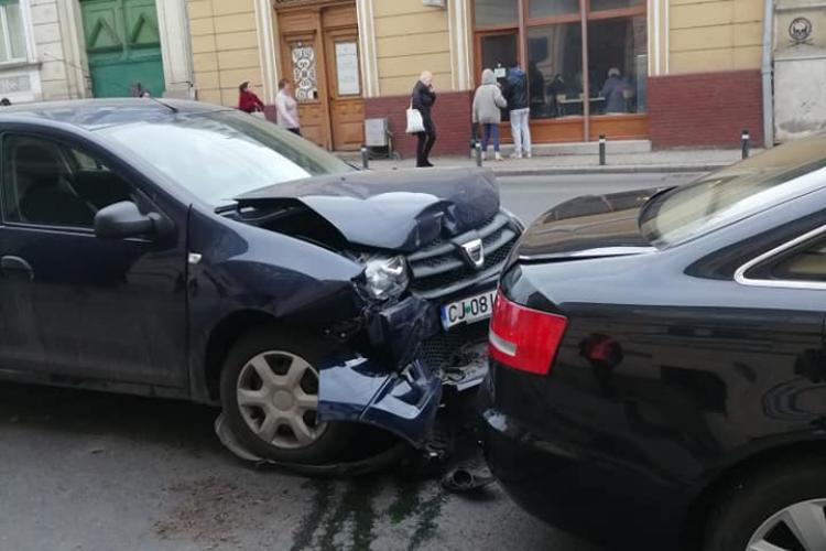 """Accident pe Calea Moților. """"Audi, tanc rusesc!"""" - FOTO"""