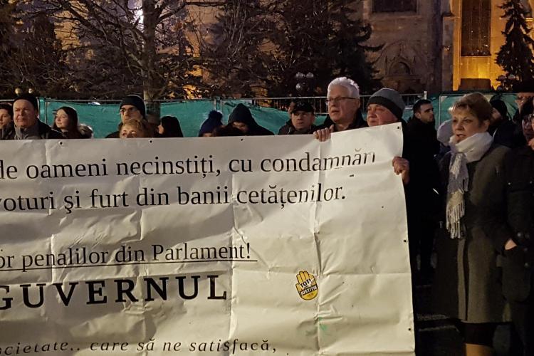 300 de clujeni au ieșit în stradă și o susțin pe Laura Codruța Kovesi