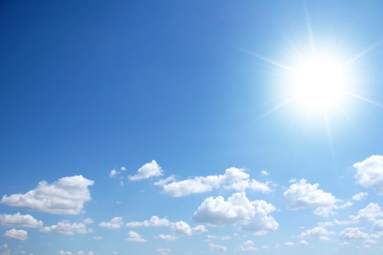 Vreme frumoasă la Cluj, în weekend. Vezi cât va fi de cald