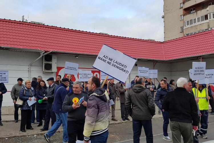 Motivele pentru care angajații de la Aeroportul Cluj protestează în fața Consiliului Județean Cluj