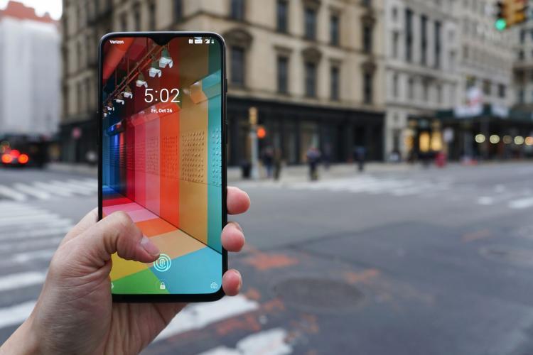 Cât mai cresc prețurile telefoanelor mobile?