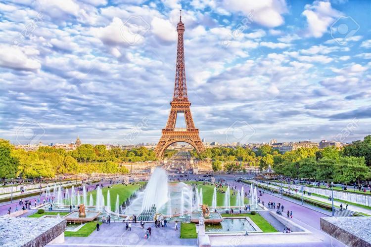Tragedie la Paris! O clujeancă a murit chiar înainte să fie cerută de soție