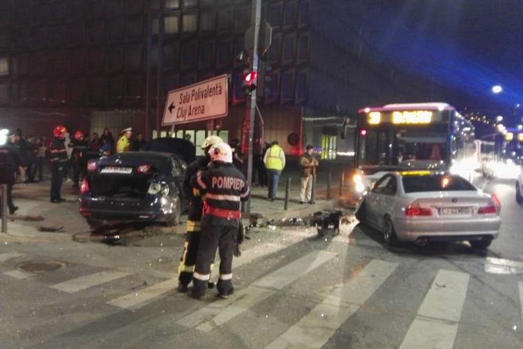 Accident lângă Sala Polivalentă. Pietoni loviți pe trecere de un vitezoman - VIDEO și FOTO