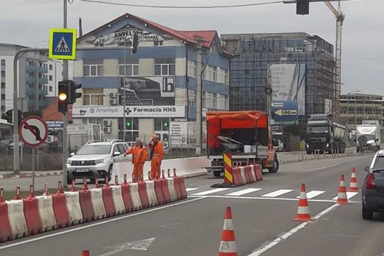 Harnicii de la drumuri au trecut la trasat trecerea de la Metro - FOTO