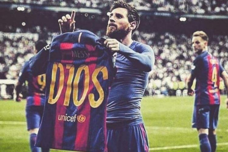 """Ce spune Papa Francisc despre Messi, """"Dumnezeul fotbalului"""""""