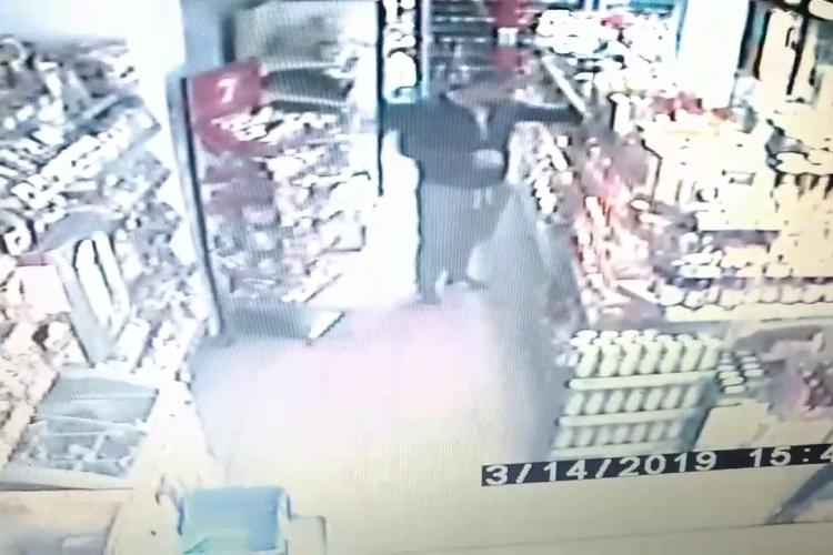 """Cum se fură din magazin în Mărăști. Politist: """"Nu putem noi închide, câți eliberează ăștia"""""""