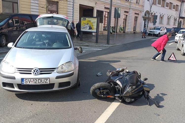 Accident pe strada Avram Iancu! Scuterist lovit în dreptul cimitirului - FOTO