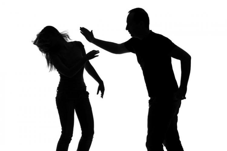 Echipă mobilă de intervenție în cazurile de violență domestică, înființată la Primăria Cluj-Napoca