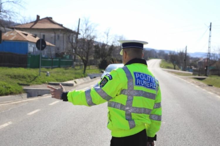 """Șoferii români, """"campioni"""" la mersul cu viteză! Aproape 500 de persoane au rămas fără permis într-o singură zi"""
