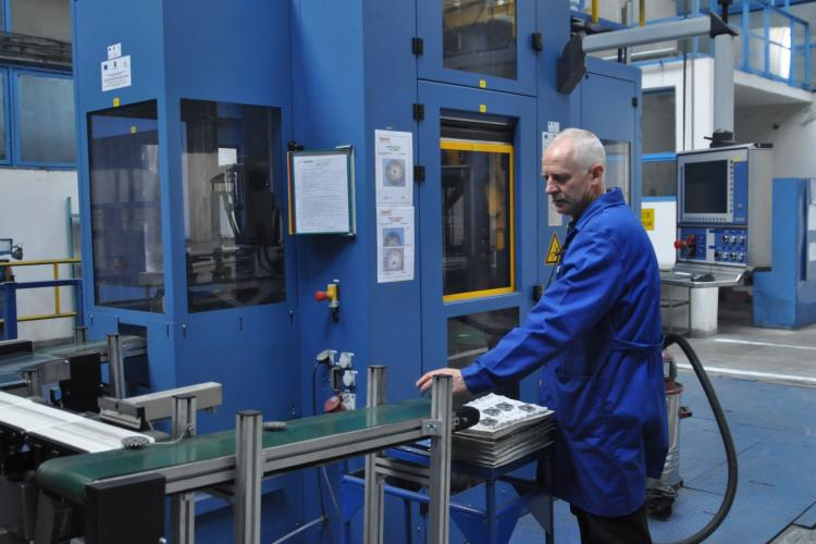 Sinterom disponibilizează 62 de angajați. Fabrica are o tradiție de peste 80 de ani