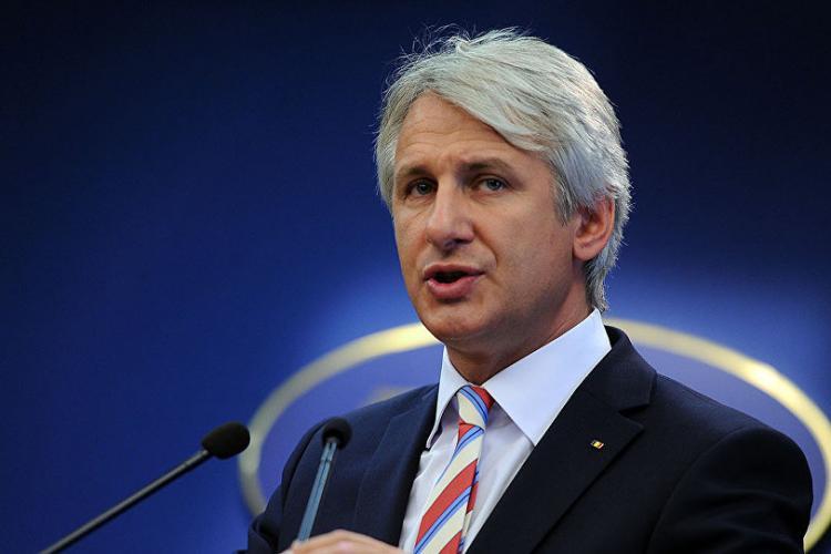 """Teodorovici vrea un """"pachet agresiv"""" pentru ca românii să nu mai emigreze"""