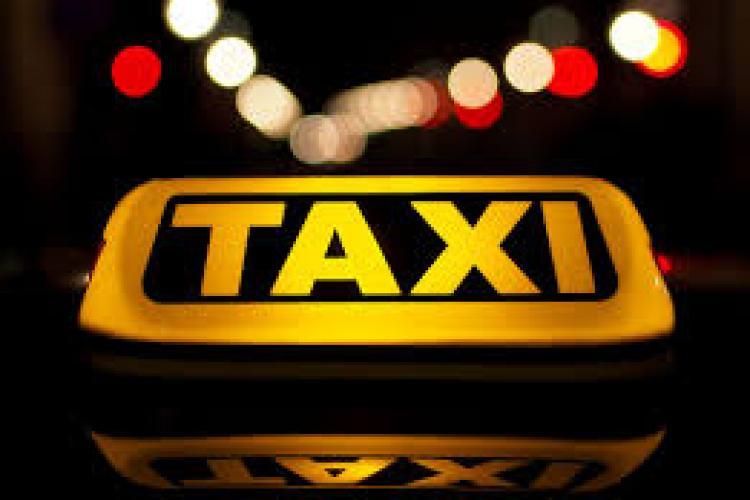 Taximetrist clujean, atacat de clienți. L-au lovit și i-au cerut toți banii la finalul cursei