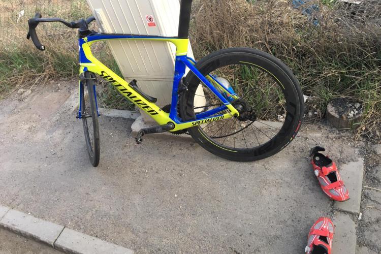 Biciclist lovit de un autoturism în Florești, zona Terra - FOTO