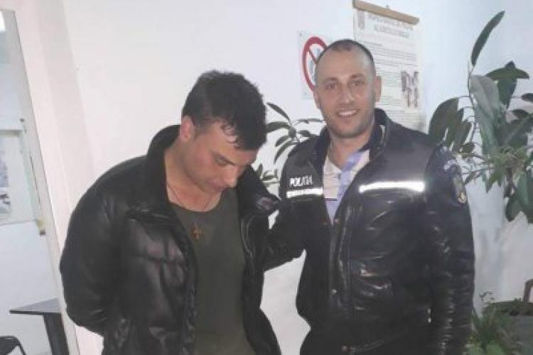 Un polițist din România trebuie să plătească daune morale unui hoţ pentru că l-a UMILIT, arestându-l