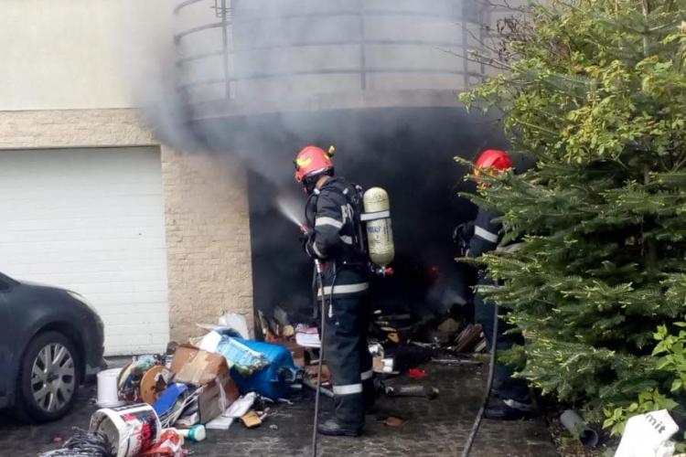 Incendiu pe Aleea Bâlea, din Cluj-Napoca - FOTO