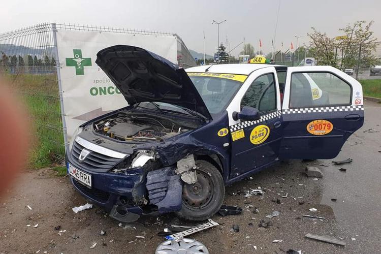 Accident la Metro! Șoferul a fugit de la locul accidentului - FOTO