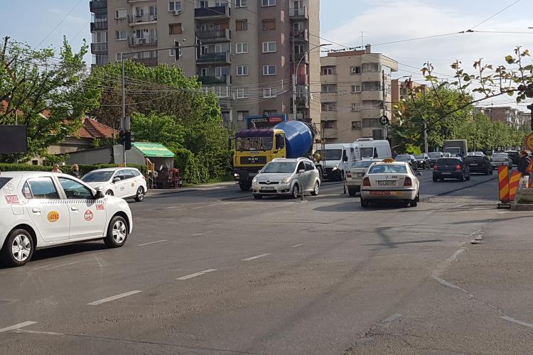 Cum se va circula în Piața Cipariu. Dispare banda stânga spre Brâncuși? - FOTO