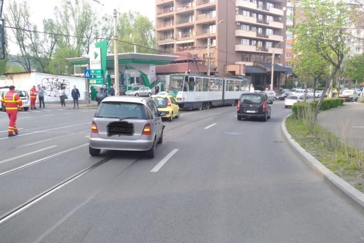 Accident cu patru victime pe strada Plopilor. Tramvaiele au fost blocate FOTO