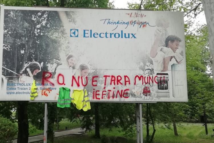 Deputat clujean, amendat de jandarmerie după ce a făcut grafitti pe un panou FOTO