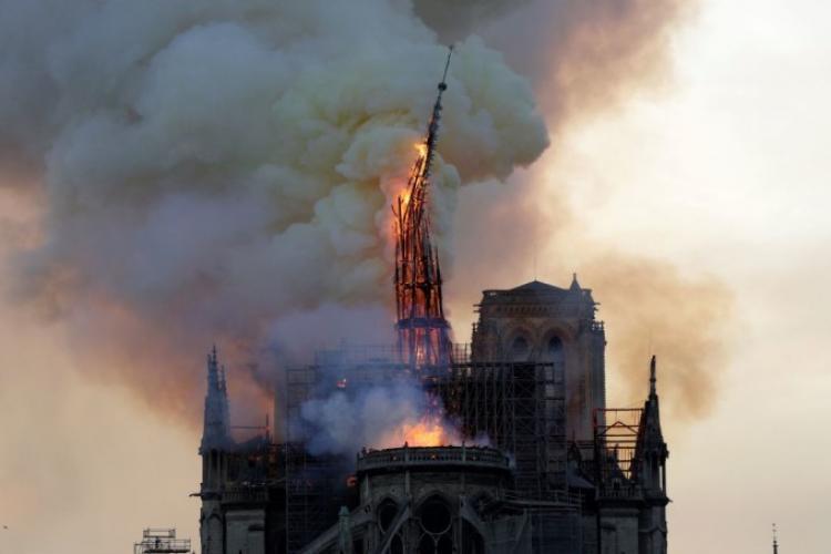 Puteau elicopterele de stins incendiile să salveze Notre Dame? - VIDEO