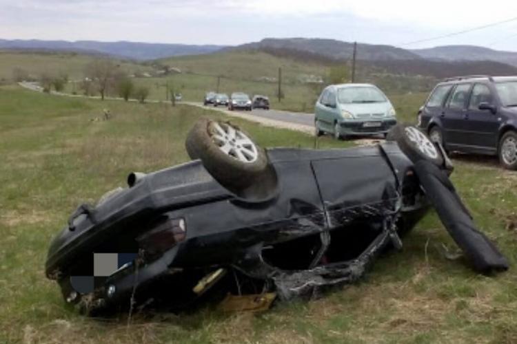 Accident cu două victime pe un drum din Cluj. Șoferul era beat la volan FOTO