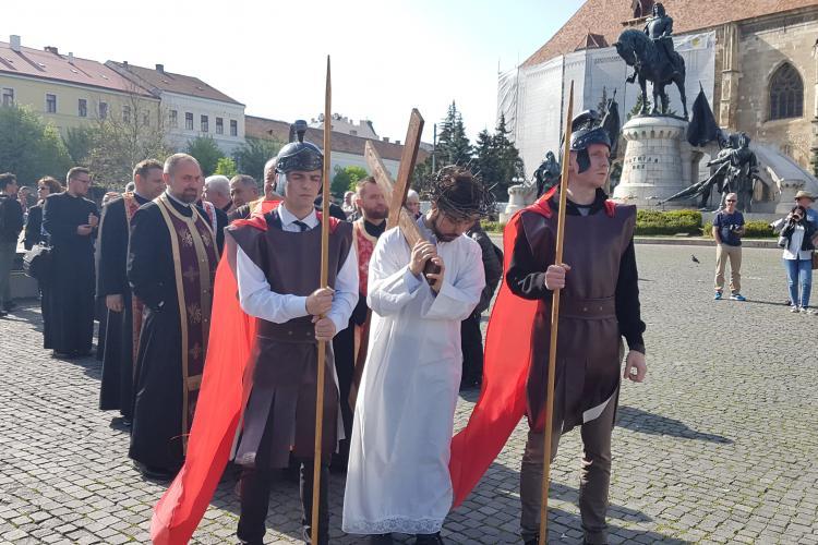 Calea Crucii, refăcută la Cluj-Napoca de greco-catolici - VIDEO