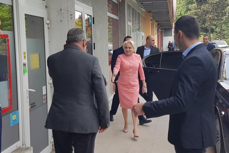 Premierul Dancila a ajuns la Cluj. E la complexul Mercur, la un restaurant de nunti- VIDEO