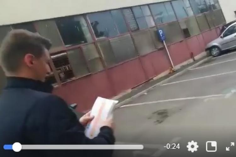"""Campanie murdară la Cluj! Șefii tinerilor LIBERALI din Cluj împart pliante """"otrăvite"""" despre USR - VIDEO"""